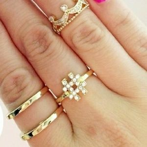 T&J Designs Jewelry - 🆕️🎄🎁Gold double band ring